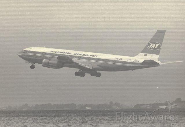 Boeing 707-100 (YU-AGG) - JAT B707-340C take off rwy24 Amsterdam Schiphol (jr1980) zwart Wit