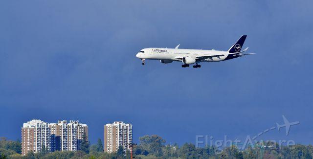Airbus A350-900 (D-AIXL)