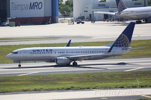 Boeing 737-800 (N37281) - United Flight 1509 (N37281) departs Runway 1R at Tampa International Airport enroute to Houston Bush International Airport