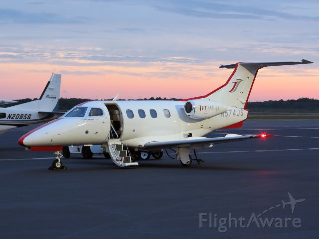 Embraer Phenom 100 (N574JS) - Early Monday morning at the Vineyards.