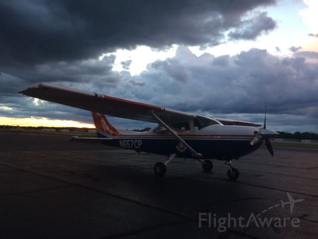 Cessna Skylane (N657CP)