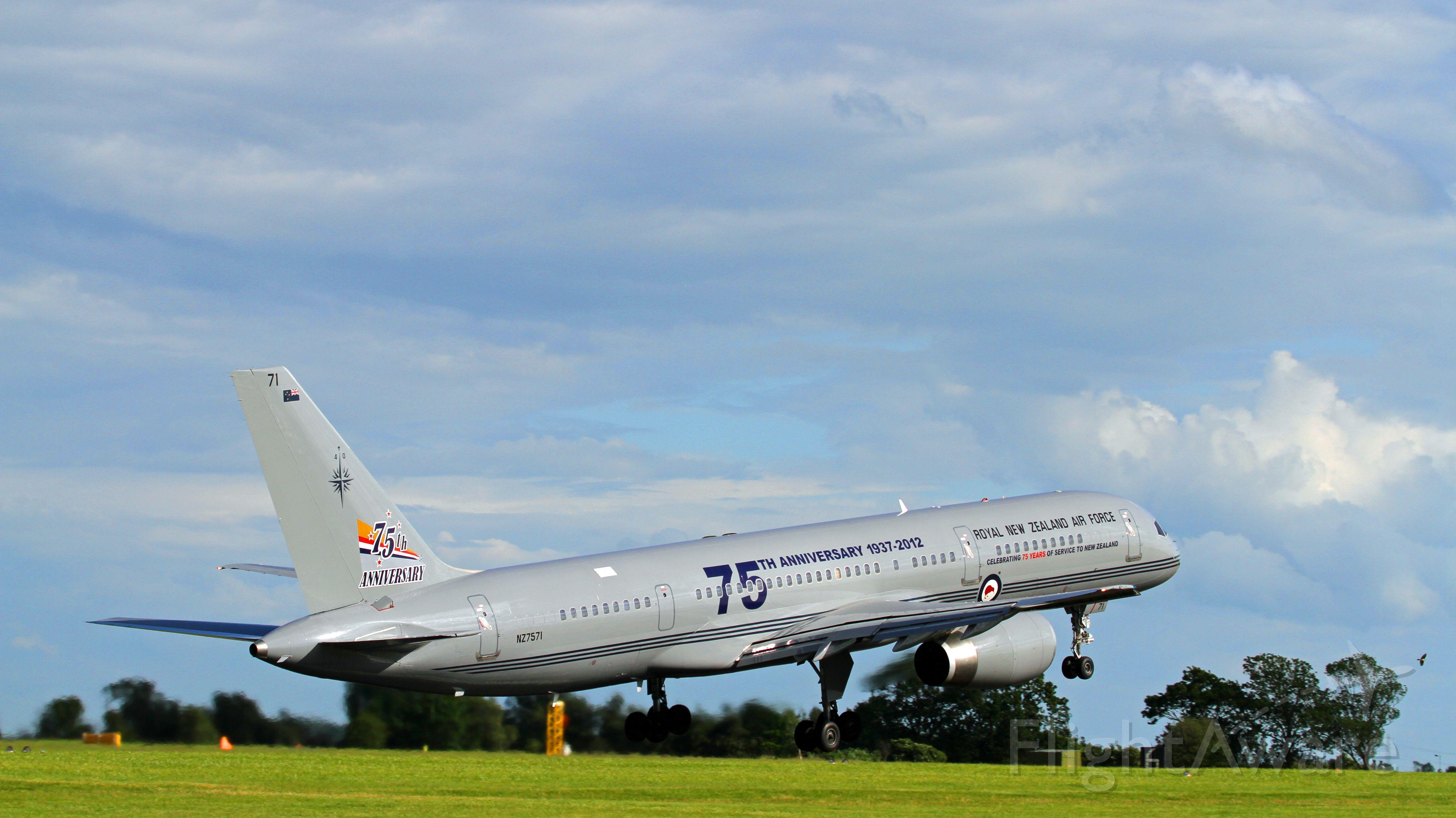 Boeing 757-200 (ANZ7571) - Dunsfold air show 2012