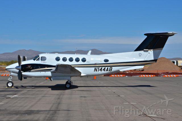 Beechcraft Super King Air 300 (N144AB)