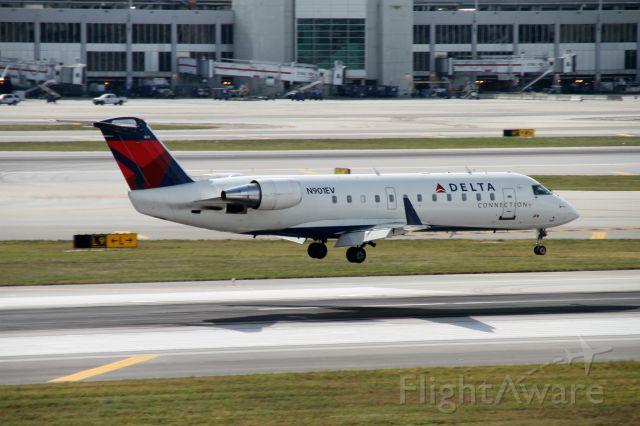Canadair Regional Jet CRJ-200 (N901EV)