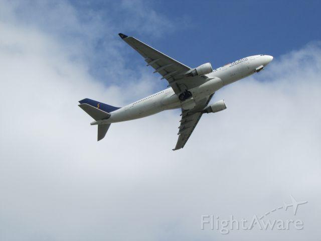 Airbus A330-300 (EI-DIR)