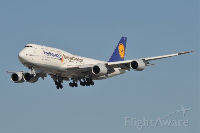 BOEING 747-8 (D-ABYI)