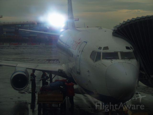 Boeing 737-200 —