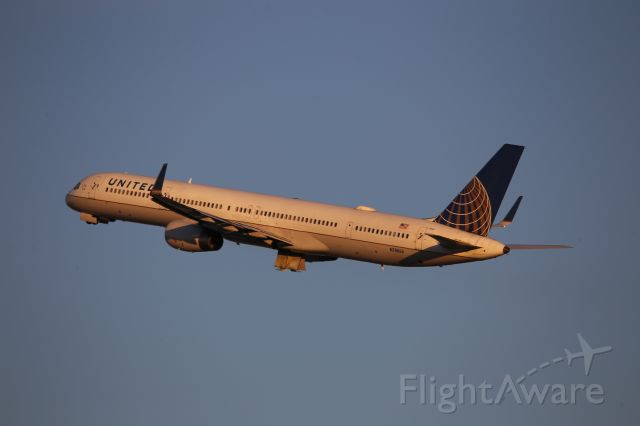 BOEING 757-300 (N78866)