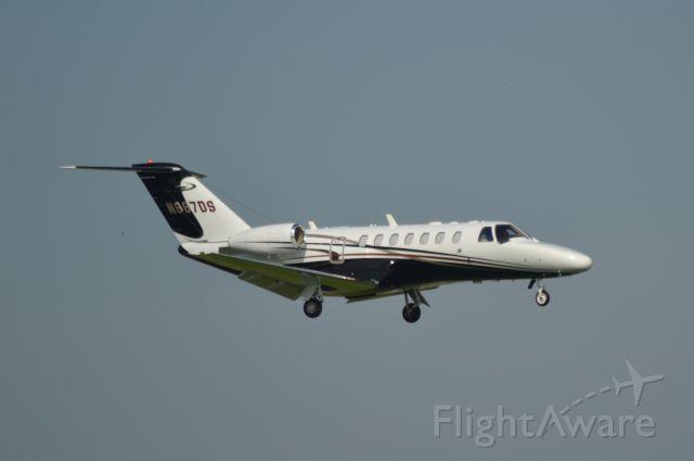 Cessna Citation CJ3 (N687DS) - Landing in Sioux Falls SD