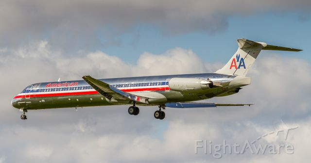 McDonnell Douglas MD-82 (N7550) - AAL92 arrives from Dallas/Fort Worth. Catch these beauties while you can!!