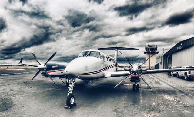 Beechcraft Super King Air 300 (N878CT) - 350i