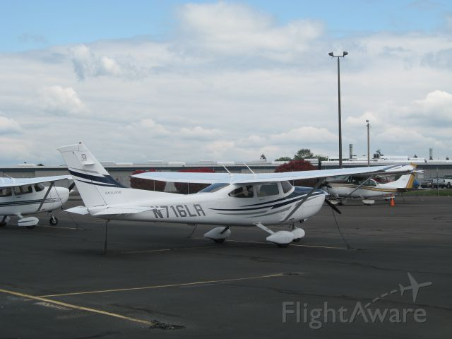 Cessna Skylane (N716LR)