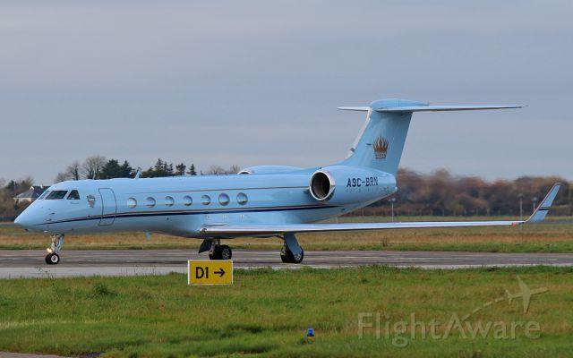 A9C-BRN — - bahrain amiri flight g550 a9c-brn dep shannon 17/11/14.