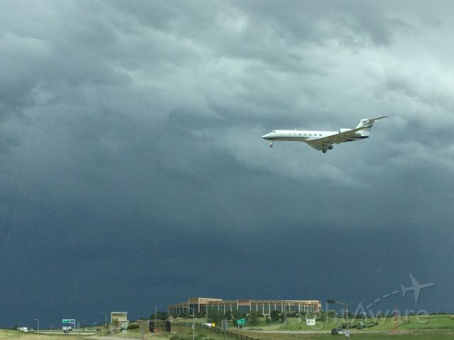 Gulfstream Aerospace Gulfstream V (N550GA) - Landing at centennial airport