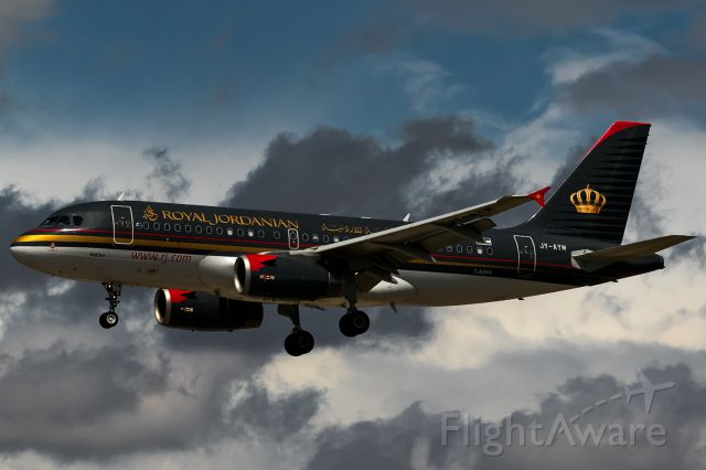 Airbus A319 (JY-AYM) - stormy clouds