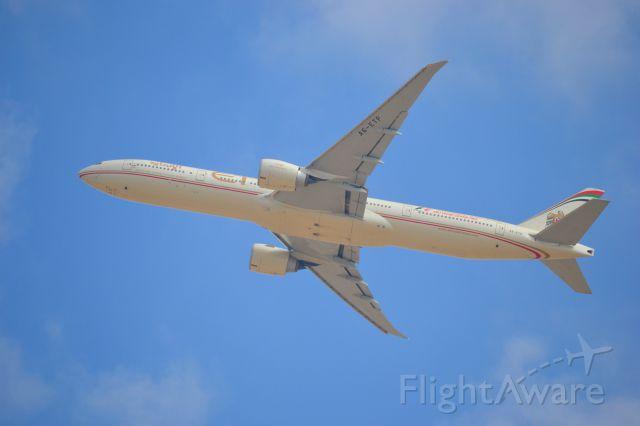 BOEING 777-300ER (A6-ETJ) - Spotting at Al Zeena Abu Dhabi. 31L departures.