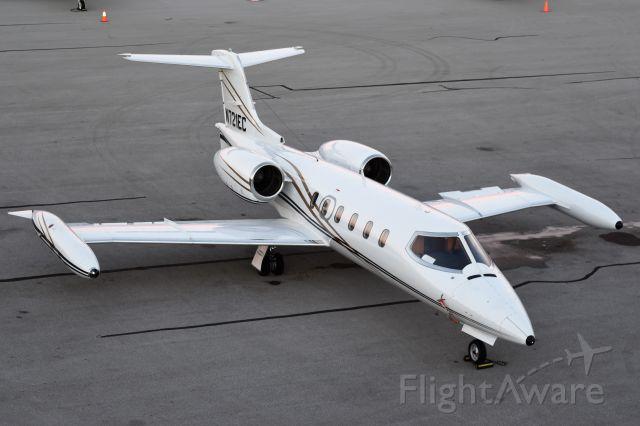 Learjet 35 (N721EC)