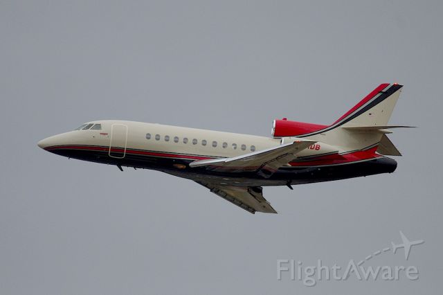 Dassault Falcon 900 (N501DB) - Departing 7L during the post 500 rush.