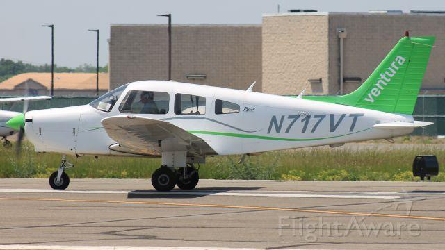 Piper Cherokee (N717VT)
