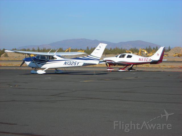 Cessna Skylane (N1325Y)