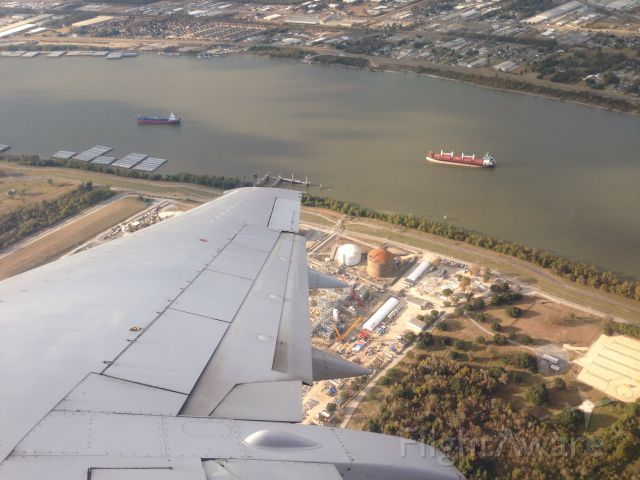 Boeing 737-500 (N665WN) - The mighty Mississippi