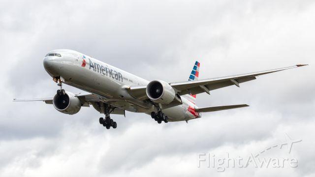 BOEING 777-300ER (N717AN)