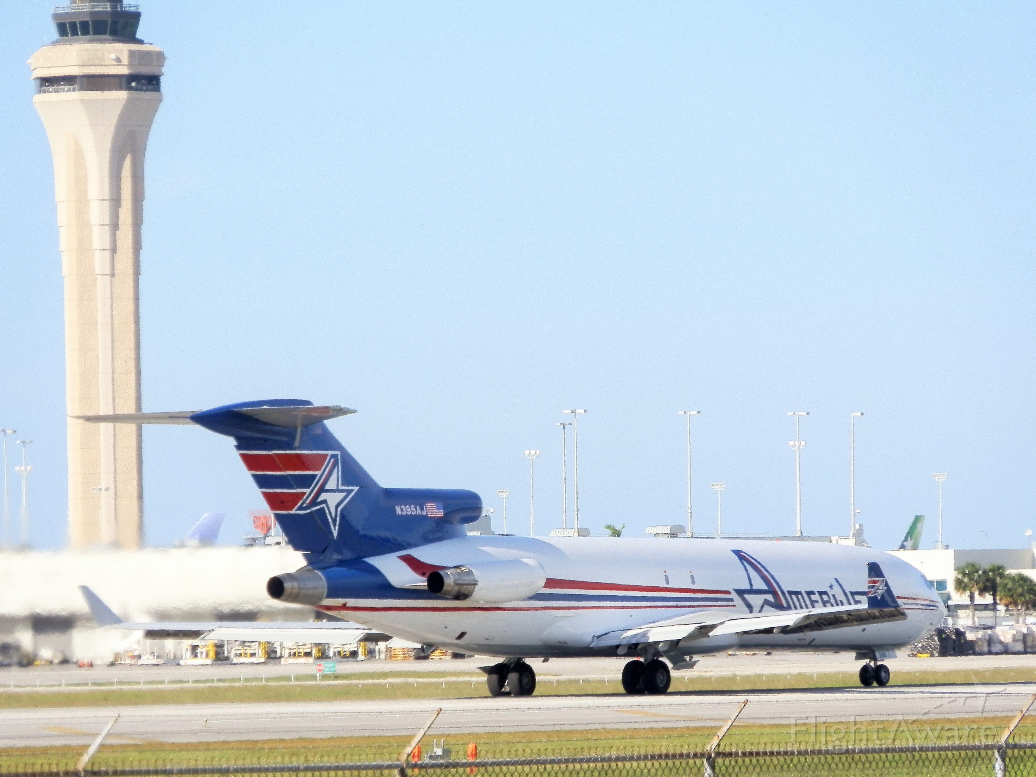 BOEING 727-200 (N395AJ) - roll