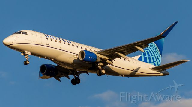 Embraer 175 (N607UX) - Absolutely love this livery in golden hour light (23 May, 2021)