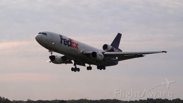 "McDonnell Douglas DC-10 (N311FE) - ""Sherrese"" on short final to 36C."