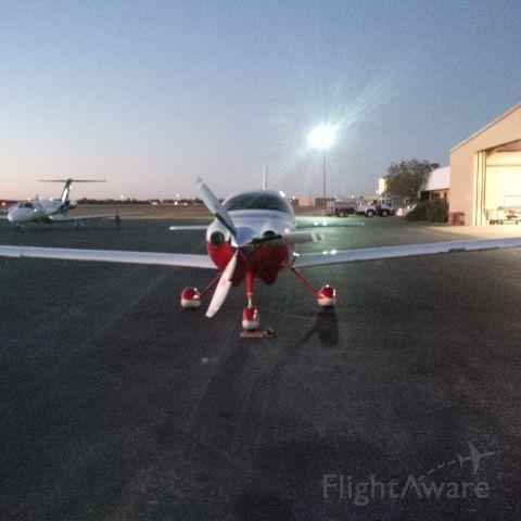 Cessna 400 (N153CM)