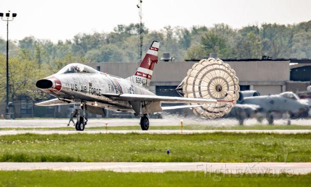 North American Super Sabre (N2011V) - Landing