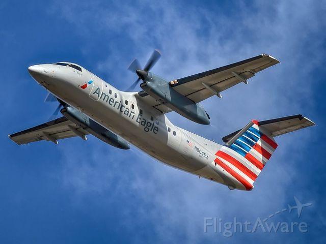 de Havilland Dash 8-200 (N804EX)