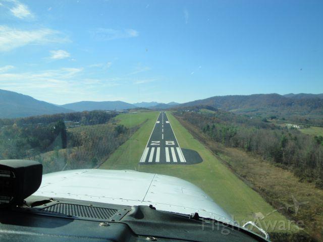 Cessna Skyhawk — - Landing Ashe County, North Carolina