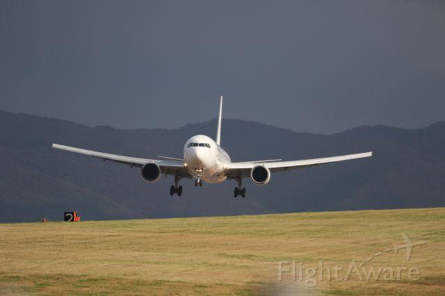 BOEING 767-300 (JA8988) - October 27th 2018;HND-HKD.