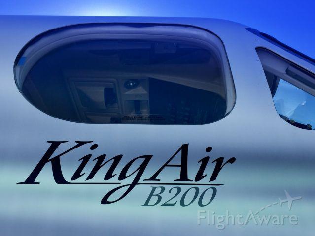 Beechcraft Super King Air 200 (N716AV)