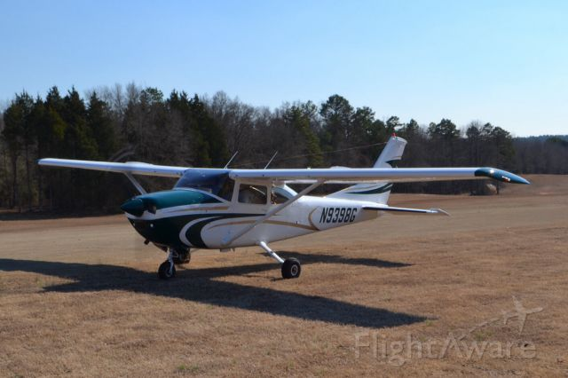 Cessna Skylane (N9398G) - Triple Tree