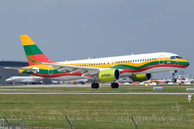 Airbus A220-300 (YL-CSK)