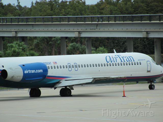 Boeing 717-200 (N892AT)