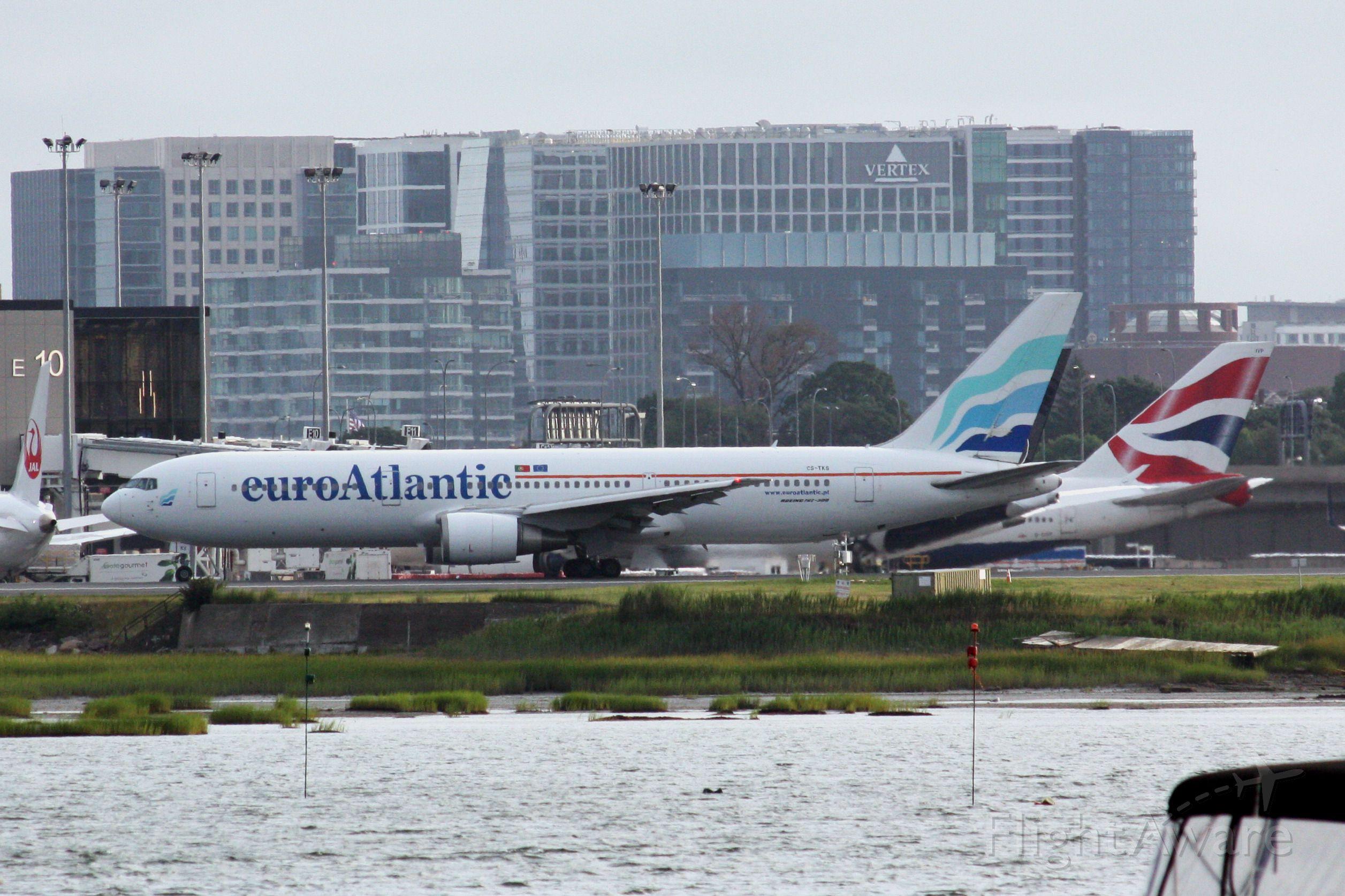 BOEING 767-300 (CS-TKS)