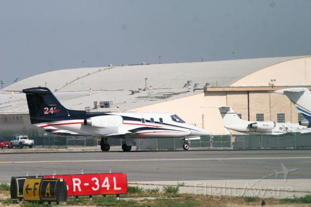 Learjet 24 (N49GS)