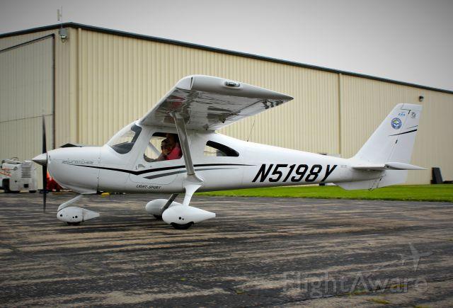 Cessna Skycatcher (N5198Y) - Skycatcher at Wittman.