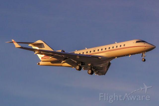Bombardier Global Express (N613WF)