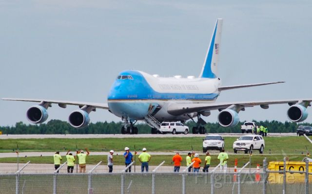 N28000 — - Air Force One at GSP! One of the most beautiful planes you could ever see! 8/24/20.