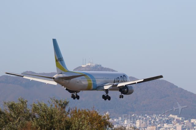BOEING 767-300 (JA98AD) - 19 October 2015: HND-HKD.