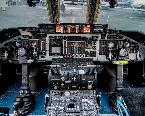 Lockheed C-141 Starlifter — - C-141 cockpit at Dover