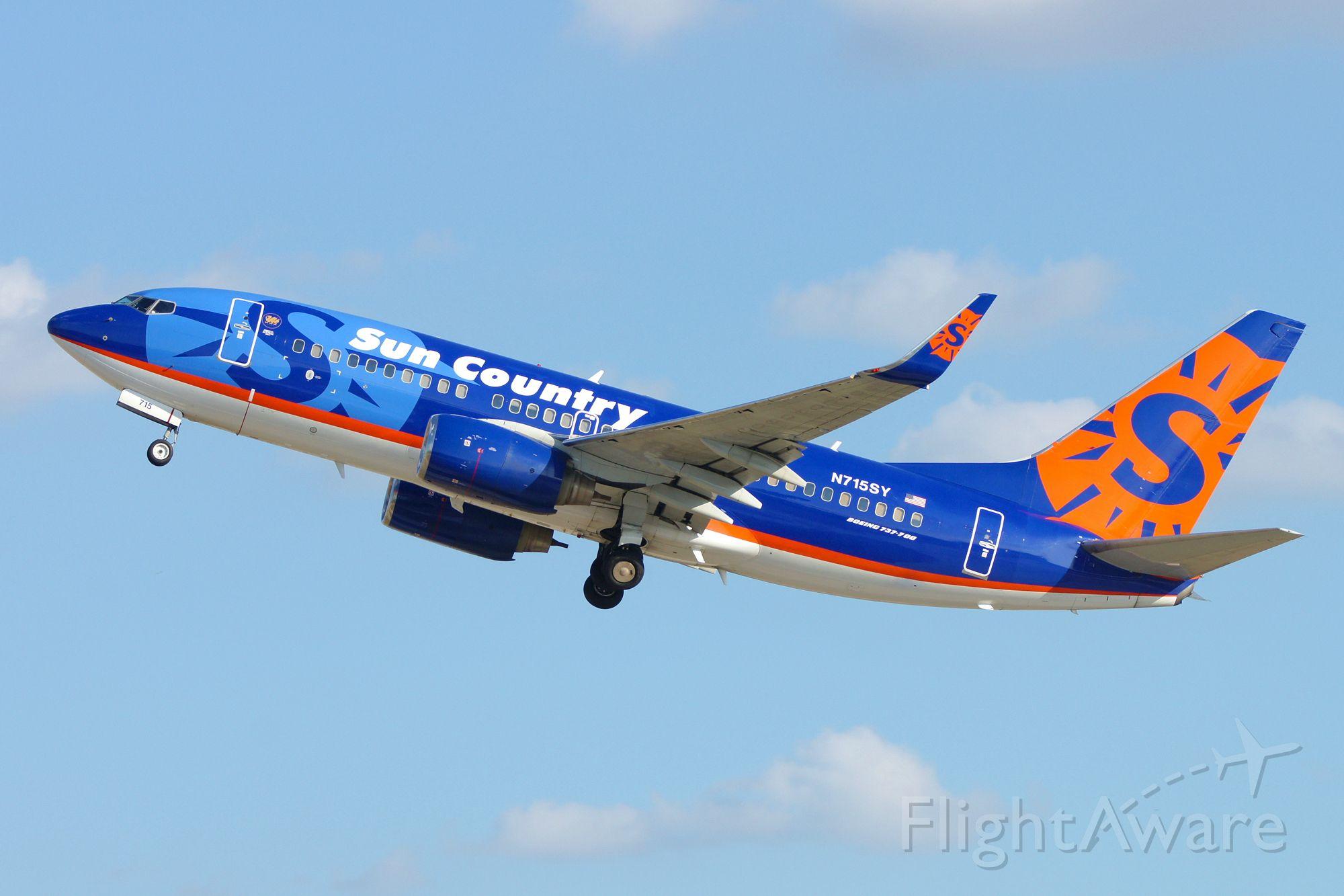 Boeing 737-700 (N715SY) - 4 departure.
