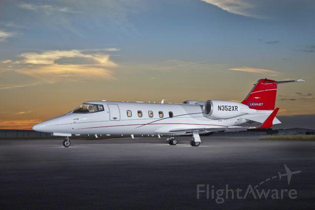Learjet 60 (HPJ352)