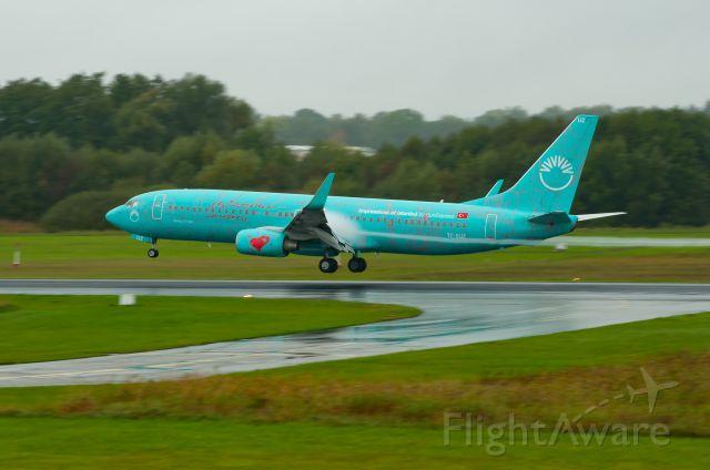 Boeing 737-700 (TC-SUZ)