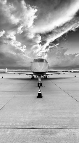 Bombardier Challenger 300 — - Modern-Aviation ramp