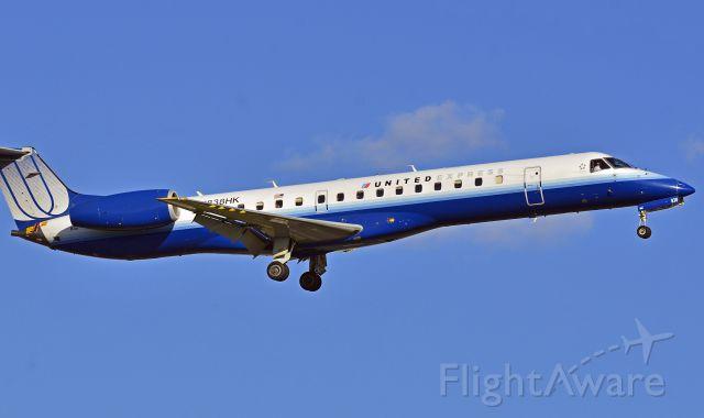Canadair Regional Jet CRJ-700 (N838HK)